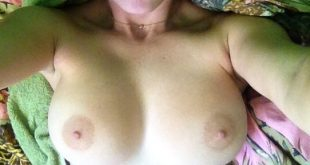 Photo de mes seins très proches